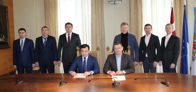 Rīgas Centrāltirgus un Taškentas Centrāltirgus vadītāji paraksta Memorandu