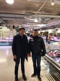 Tikšanās Tallinas Dzelzceļa stacijas tirgū